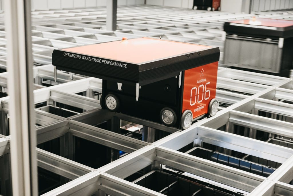 A close-up of an AutoStore robot working at the Oslo-warehouse.
